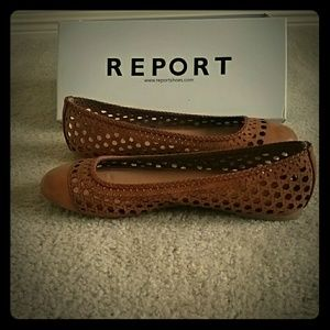 Size 10, brown report madella flats, new